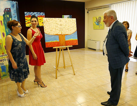The presentation of the new painting